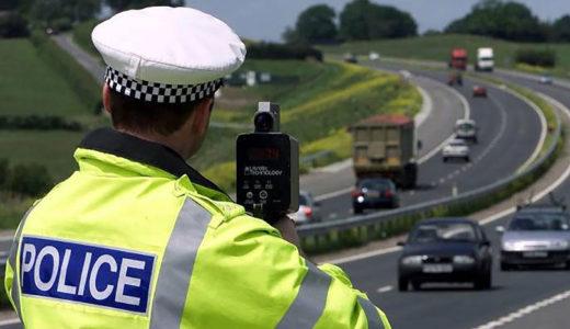 高速道路の移動式オービスはレーダー探知機や看板で対策可能?