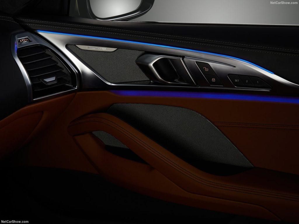 BMW8シリーズクーペ 内装 アンビエントライト