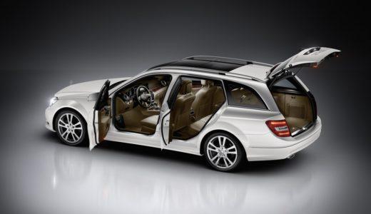 ベンツCクラス(W204後期)セダン&ワゴンの内装!後部座席は狭い?