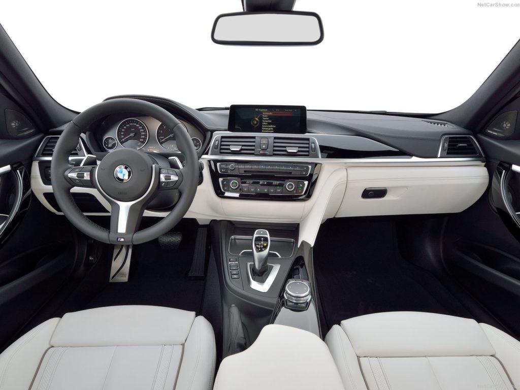 BMW3シリーズF30の内装