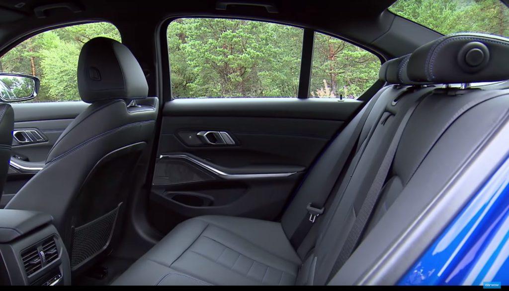 新型BMW3シリーズG20の後部座席