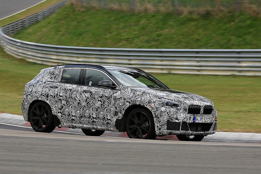 BMW新型次期1シリーズのスパイショット