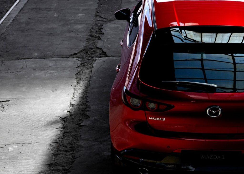新型Mazda3