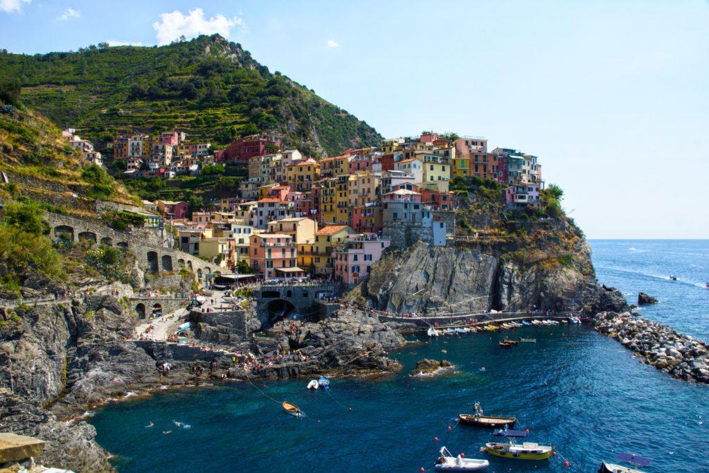 イタリアの海沿いの町の風景